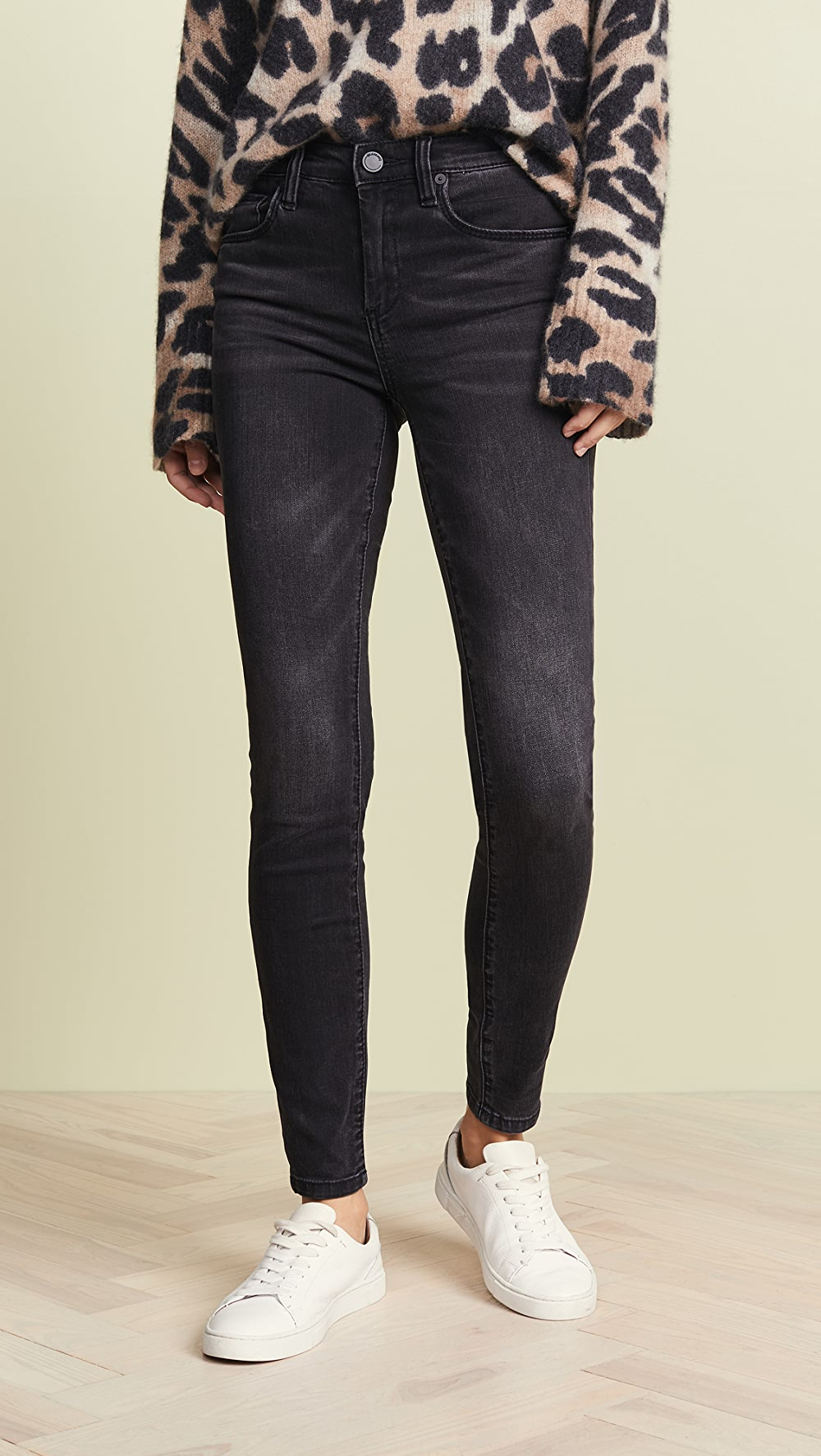 Discreet Blank Denim - The Bond Mid Rise Skinny Jeans Beneficial To The Sperm