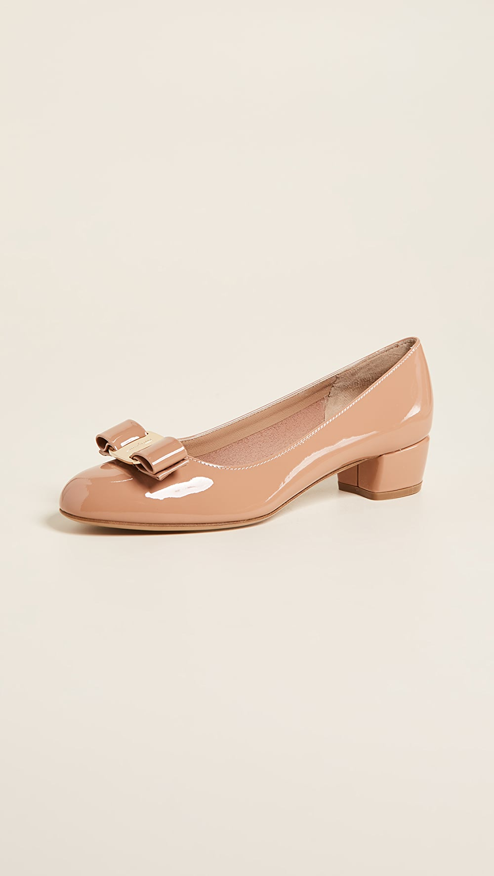 2019 Fashion Salvatore Ferragamo - Vara Low Heel Pumps A Plastic Case Is Compartmentalized For Safe Storage