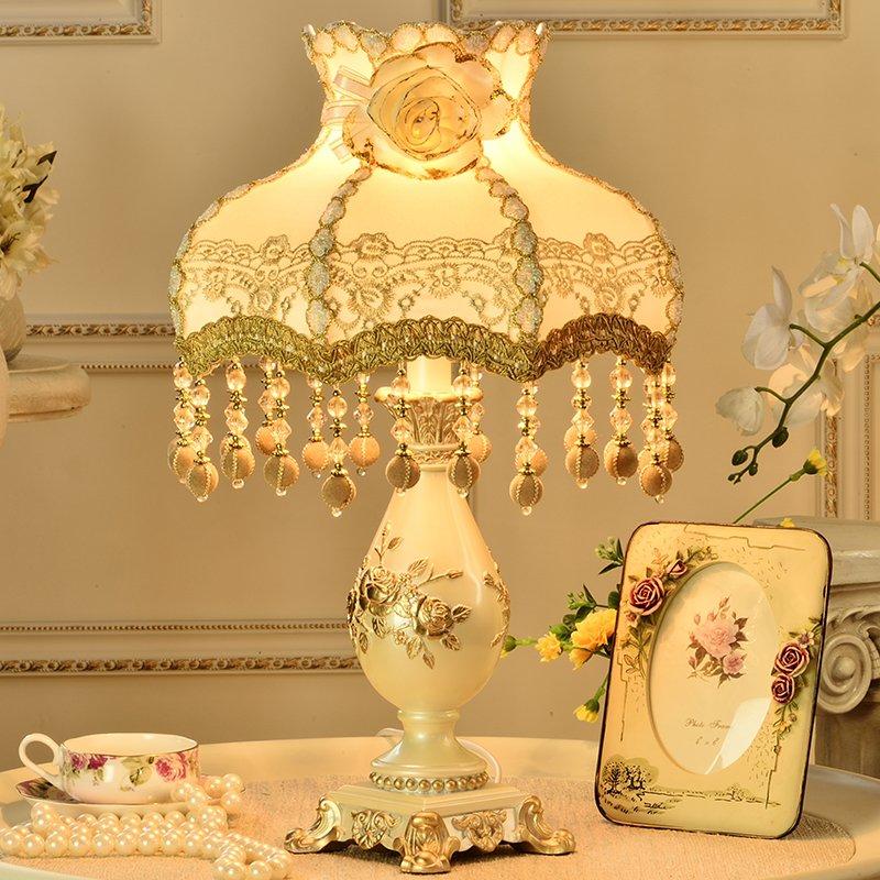 欧式宫廷台灯卧室床头灯创意奢华温馨暖光可 调光结婚送礼灯复古布艺灯罩雕刻台灯 (珍珠(送欧式高档相框), 按钮开关)