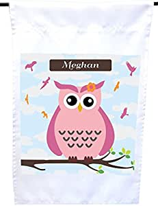 "Rikki Knight""Meghan 名字可爱粉色猫头鹰在树枝上印有个性化名字的房子或花园旗帜,30.48 x 45.72 cm 旗帜尺寸带有 27.94 x 27.94 cm 的图像"