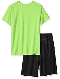 Hanes 男童大运动混色性能 T 恤和网眼短裤套装