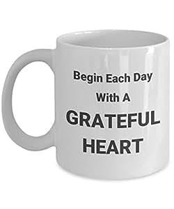 Begin Each Day 字样心形马克杯 白色 11oz GB-2333836-20-White
