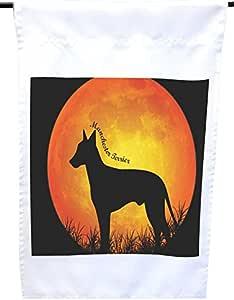 Rikki Knight 曼彻斯特梗犬剪影,Moon House 或花园旗帜,30.48 x 45.72 cm 旗帜尺寸 27.94 x 27.94 cm 图案