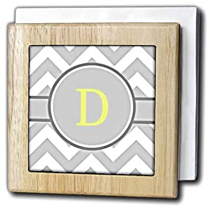 "3dRose BrooklynMeme Designs - Grey and white chevron with yellow monogram initial D - Tile Napkin Holders 天然 6 """