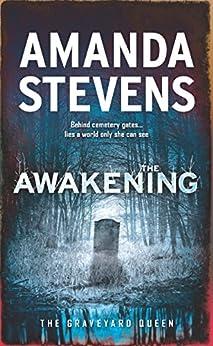 """The Awakening (The Graveyard Queen, Book 7) (English Edition)"",作者:[Amanda Stevens]"