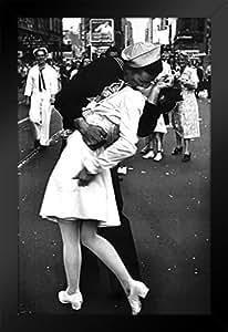 海报 Foundry The Kiss VJ Day Times Square 纽约市美少女照片艺术版画 裱框海报 14x20 inches 327891