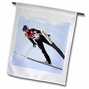冬季运动–滑雪跳跃–旗帜 12 x 18 inch Garden Flag