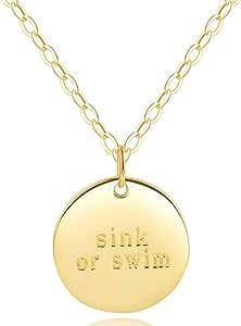 圆盘项链 - 圆形/圆形吊坠徽章 [水槽游泳雕刻] - 极简主义的狂热/励志珠宝 - 925 纯银 - 45.72 cm 链子 - [低致敏性] 18k Yellow Gold Plating SinkorSwim-EMB-2b