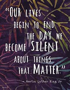 """多彩蜡笔图案墙壁艺术印刷品 ~ MARTIN LUTHER KING Famous Quote:""""The Day We Become Silent""""。 紫色 11""""×14"""" print"""