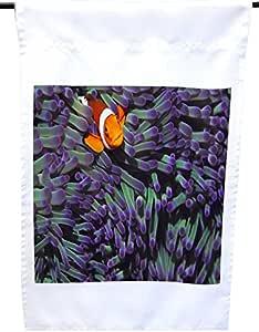 Rikki Knight 隐藏在紫色海空迷房屋或花园旗上,30.48 x 45.72 cm 旗帜尺寸带 27.94 x 27.94 cm 图像