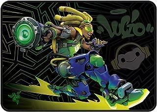 Razer Goliathus Speed(中号)游戏鼠标垫 - 光滑游戏垫 - 防滑橡胶底座 - 便携式布设计 - 防磨损缝边框架 - 宇宙 - 观看 Lucio 版