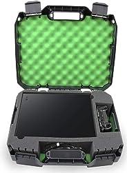 CASEMATIX 控制臺?;た鞘屎?Xbox One X 1TB、Project Scorpion 版本、One X 控制器、HDMI 線纜和游戲 - 專為旅行游戲者設計 - 耐沖擊外殼