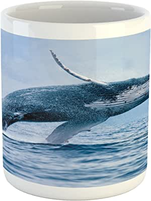"Lunarable Underwater 马克杯,A Breaching Massive Humpback 鲸鱼危险动物捕食者表面,印花陶瓷咖啡杯水茶饮料杯,蓝色白色 Multi 1 3.6"" H By 3.2"" W mug_11895"