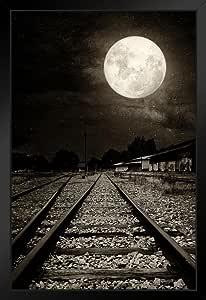 《月光下的废弃铁路轨道》照片艺术印刷海报 30.48 x 45.72 照片艺术印刷品 Multi-color / 9460 Framed in Black Wood 14x20 inch 220737