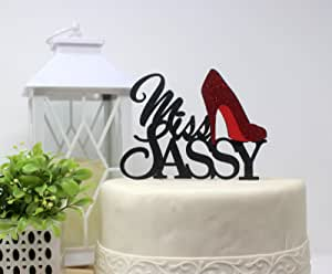 All About Details Miss Sassy 蛋糕装饰,1 件,生日蛋糕装饰,派对装饰,闪光装饰 黑色/红色 6in wide and 5in tall with 2-pcs of 4in wood skewers CATMSAS