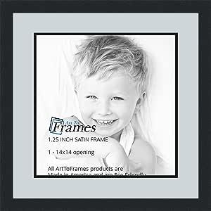 ArtToFrames 字母摄影相框 1-22x22 开口。 缎面黑框。 浅蓝色 14x14 Double-Multimat-669-860/89-FRBW26079