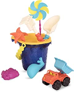 B.Toys Sands Ahoy - 海滩玩具套装 - 中号水桶套装(海军蓝),配有9种独特的沙子和水上玩具 - 不含邻苯二甲酸盐和BPA - 18个月以上