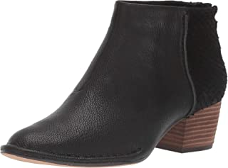 Clarks 女士 Spiced Ruby 时尚靴子