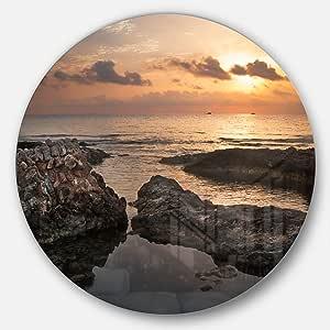 Designart Dark Africa Beach with Ancient Ruins Beach Large Disc Metal Wall Art 棕色/橙色 23X23 - Disc of 23 inch MT11036-C23