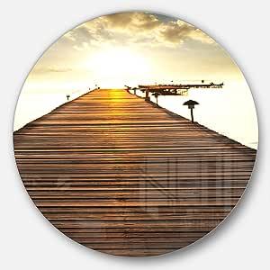 Designart MT10801 C11 海滨大桥圆金属墙壁艺术圆盘 11X11 - Disc of 11 inch MT10801-C11
