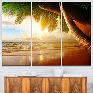 Designart Caribbean Beach Sunrise-Landscape Photo 金属墙体艺术-MT6917-48x28-4 面板