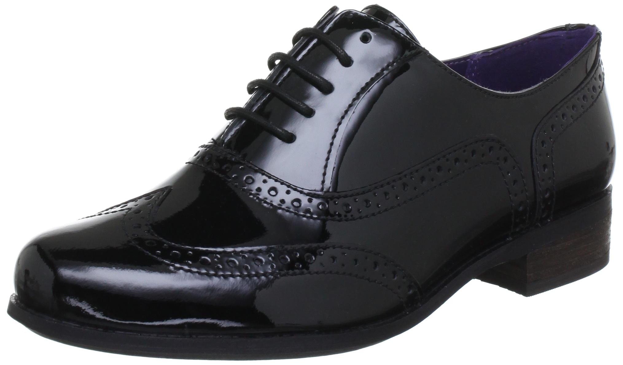 クラークスハンブルオークは、婦人靴ダービーの靴を刻ん