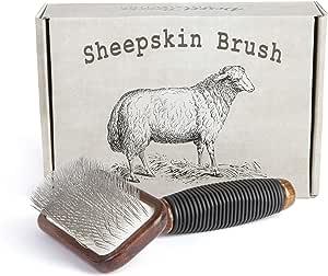 Desert Breeze 分发羊皮刷,适用于精细毛皮产品,如地毯、枕头等,木质手柄