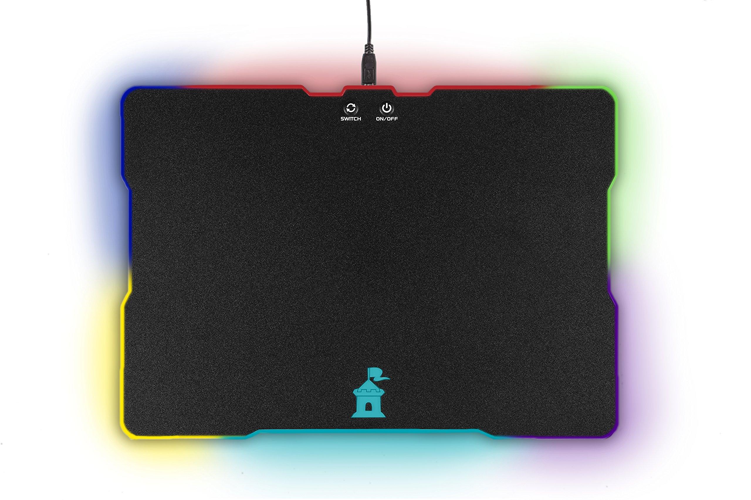 Moat 鼠标垫 LED 照明效果 - 大速表面带背光周边和游戏标志 - 硬质鼠标垫适合所有电脑鼠标敏感度和传感器